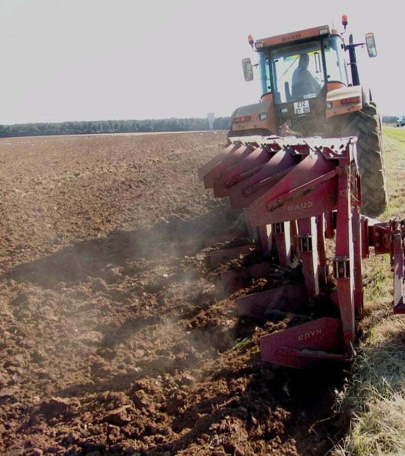 تأثیر ادوات خاک ورزی مرسوم بر کاهش رطوبت خاک