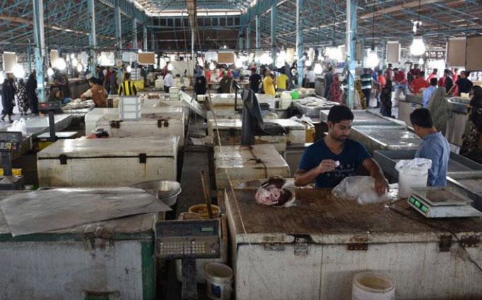 نمایی از بازار فروش ماهی